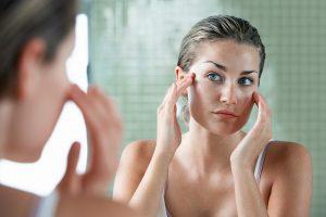 7 vilões que causam envelhecimento precoce da pele