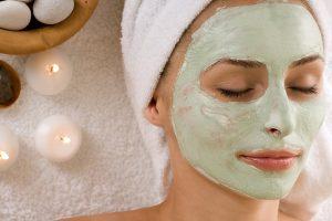 Cosméticos naturais x químicos: mitos e verdades sobre produtos de beleza