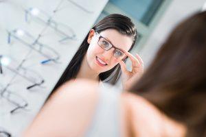 Uso correto dos óculos garante a saúde dos olhos