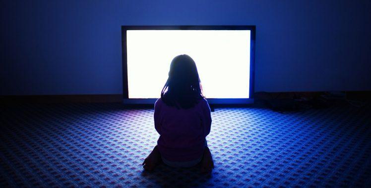 Uso excessivo do computador e TV faz mal aos olhos?