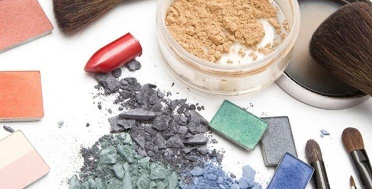 Você sabia que maquiagem tem prazo de validade?