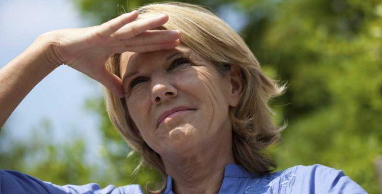 Dor de cabeça e sensibilidade à luz podem indicar problemas de visão